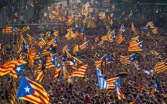 Manifestação pela independência da Catalunha, em Barcelona (Foto: David Ramos/Getty Images)