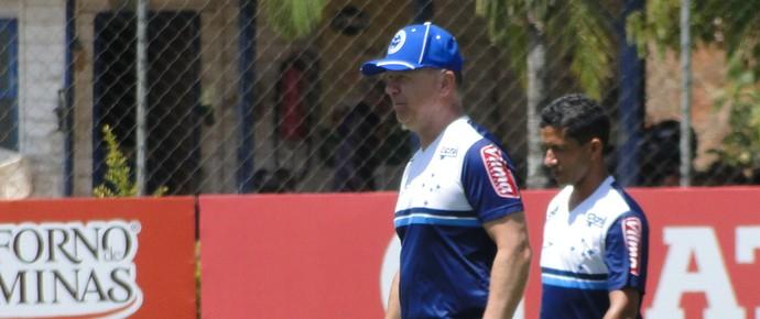 Mano Menezes, técnico do Cruzeiro (Foto: Gabriel Duarte)