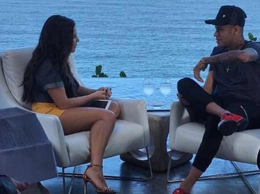 Fernanda Souza e Neymar na gravao do programa