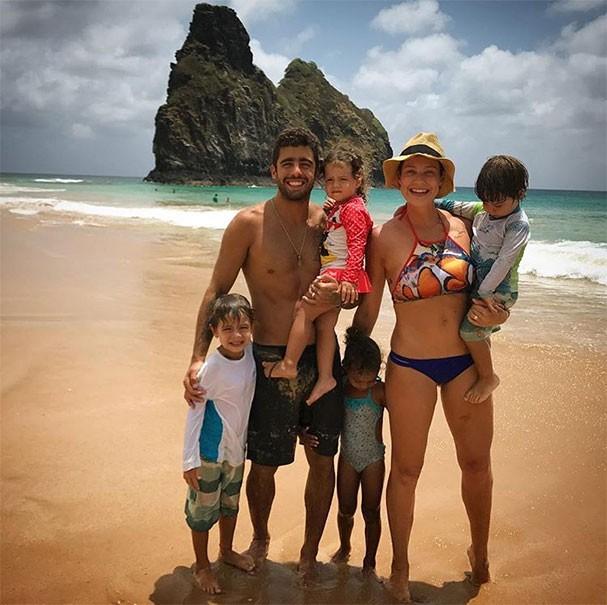 Luana Piovani com a família em Fernando de Noronha (Foto: Reprodução/Instagram)