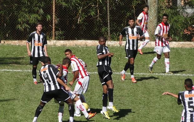 Villa Nova x Atlético-MG (Foto: Marco Astoni / Globoesporte.com)