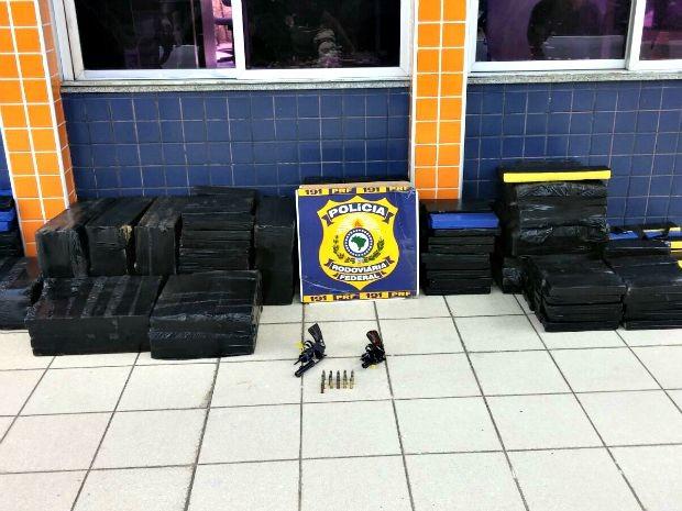 Droga estava armazenada em tabletes  (Foto: Polícia Rodoviária Federal/ Divulgação)