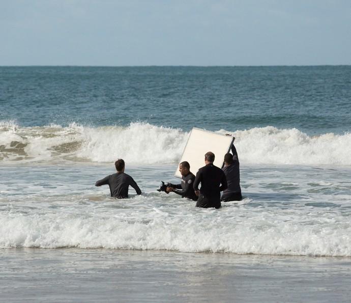 Bruno Gagliasso grava cenas no mar (Foto: Lydio Cerqueira/Gshow)