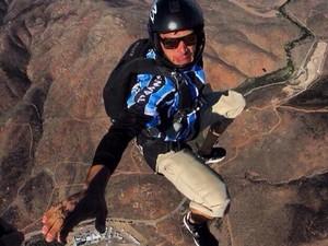 Andrei Penz era experiente e tinha entre 5 e 6 mil saltos de paraquedas (Foto: Arquivo Pessoal)