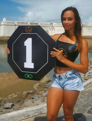 Gabi Calixto - ring girl do Potiguar Combat (Foto: Divulgação)