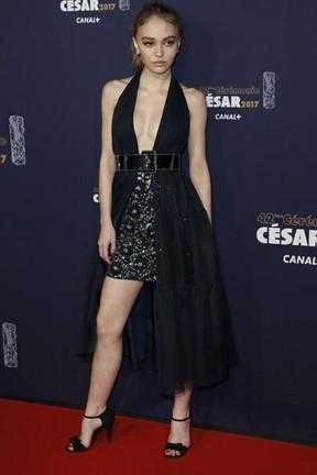 Lily-Rose Depp em premiação em Paris, na França (Foto: Gonzalo Fuentes/ Reuters)