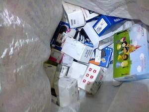 Com o suspeito foram encontrados diversos aparelhos eletrônicos (Foto: João Ferreira/Arquivo pessoal)