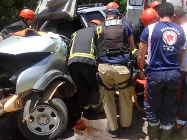Mulher sofreu algumas fraturas no acidente (Foto: Fernandez Fernandes/Blog do Sigi Vilares)