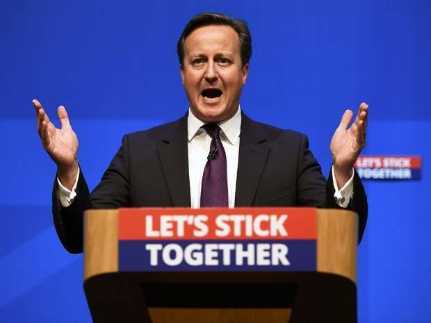 O primeiro-ministro britânico David Cameron faz discurso contra a separação da Escócia do Reino Unido nesta segunda-feira (15)  (Foto: REUTERS/Dylan Martinez)