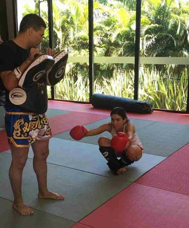 Patricia Abravanel durante treino de muay thai (Foto: Reprodução/Instagram)