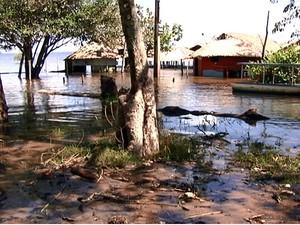 Moradores temem cheia de 2009, maior registrada na região (Foto: Reprodução/TV Tapajós)