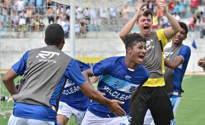 Atacante Ninão Taubaté Copinha (Foto: Jonas Barbetta/ Top 10 Comunicação)