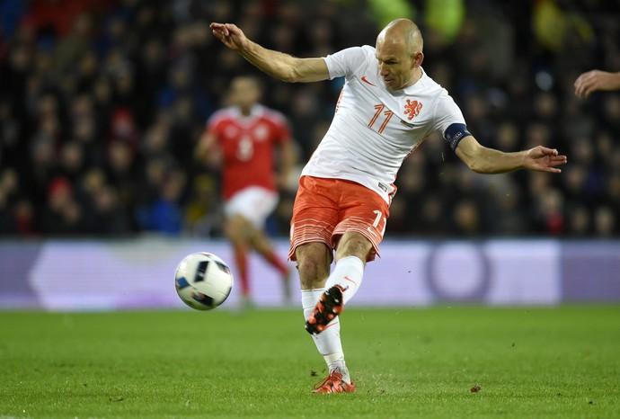 Robben - Holanda - PAís de Gales (Foto: Reuters)