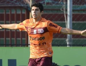 Gabriel Buru, atacante da Desportiva Ferroviária (Foto: Chico Guedes/A Gazeta)