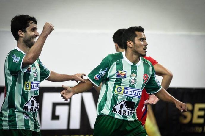 Cabo Frio venceu o Luziânia pela liga futsal (Foto: Cristiano Costa/SESI)