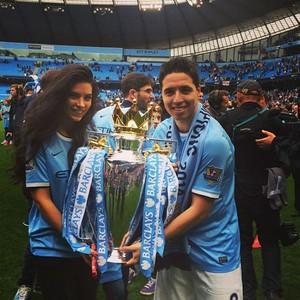 Samir Nasri com a namorada Anara Atanes (Foto: Reprodução/Instagram)