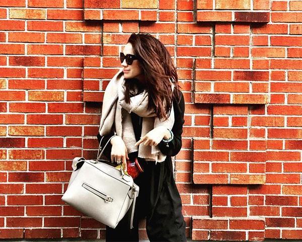 Meghan Markle é conhecida pelo seu papel como Rachel em Suits (Foto: Reprodução/Instagram)