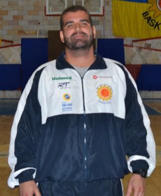 Christiano Ahmed, técnico do São José Basquete (Foto: Felipe Kyoshy/GloboEsporte.com)