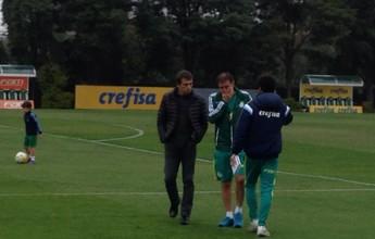 Com Cuca, Milton Cruz acompanha treino do Palmeiras na Academia