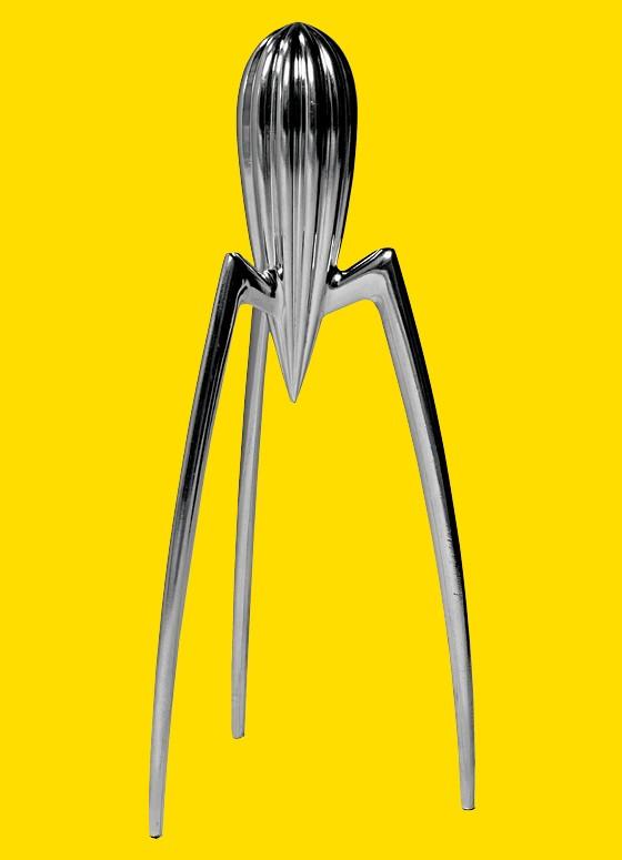 Espremedor de limão, criação de Philippe Starck, 1990 (Foto: Ed. Globo)