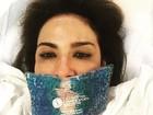 Luciana Gimenez posa com bolsa de gel no rosto e fã diz: Botox