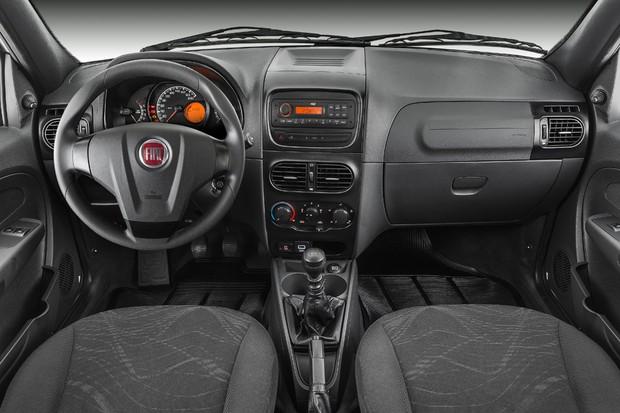 Interior da Fiat Strada Working 2018 (Foto: Divulgação)