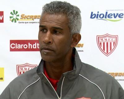 Claudinho Batista técnico Mogi Mirim (Foto: Carlos Velardi / EPTV)
