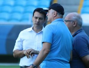 Felipão conversa com Rui Costa e Romildo Bolzan (Foto: Eduardo Deconto/GloboEsporte.com)