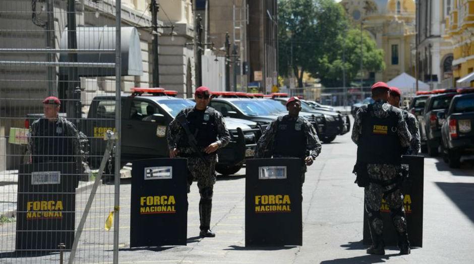 Força Nacional foi convocada para realizar protocolo de segurança em torno da sede do ministério (Foto: Tomaz Silva / Agência Brasil)
