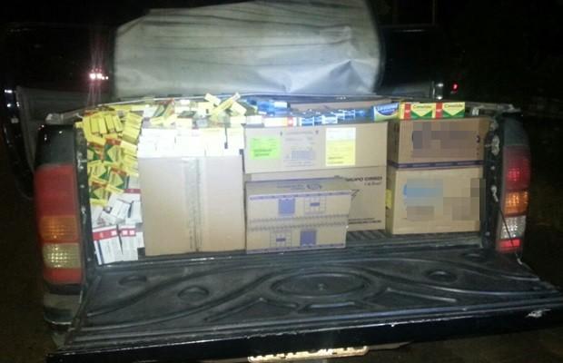 Remédios eram transportados em caminhonete, em Goiás (Foto: Divulgação/PRF)