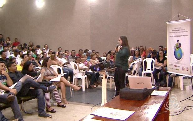 Agentes de saúde bucal recebem orientações sobre atendimento à população. (Foto: Bom Dia Amazônia)