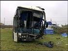 Acidente entre ônibus e caminhão deixa 20 feridos em Boituva