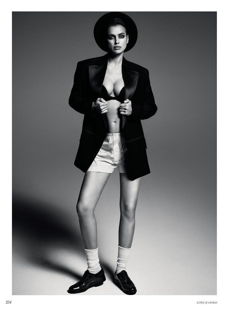Irina Shayk mostra que é sexy até com looks boyish na Vogue russa (Foto: Divulgação)