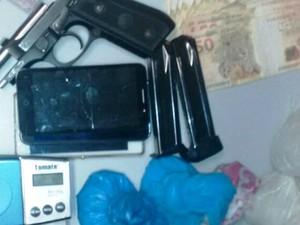 Quatro pessoas são presas por tráfico de drogas em Tramandaí (Foto: Polícia Civil/Divulgação)