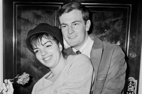 Liza Minnelli e Peter Allen (Foto: Getty Images)