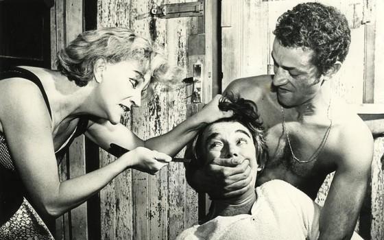 Tõnia Carrero, Emiliano Queiroz e Nelson Xavier na antológica versão de Navalha na carne, em 1967 (Foto: Reprodução)