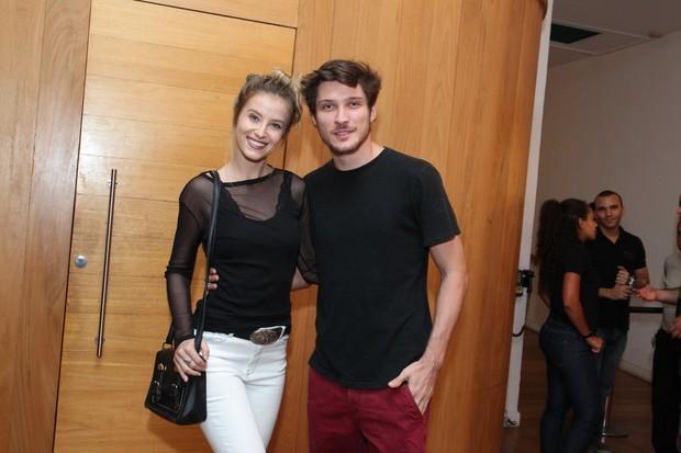 Bárbara França com o namorado (Foto: Marcello Sá Barretto / AgNews)