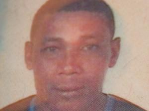 O servente de pedreiro Paulo Batista Lima, de 40 anos, morreu com um tiro no peito (Foto: Fernanda Zanetti/G1)
