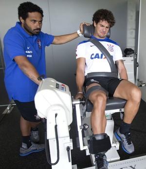 Pato exercícios Corinthians (Foto: Daniel Augusto Jr / Agência Corinthians)
