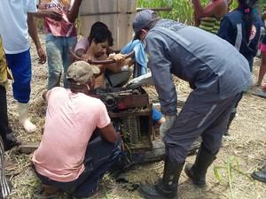 Resgate foi feito por Bombeiros e Samu no local do acidente (Foto: Divulgação/ Corpo de Bombeiros)
