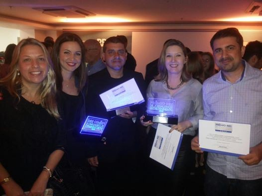 Daniella Peretti, Talita Rosa, Jean Mazzonetto, Lisandra Nienkoetter e Jefferson Douglas da Silva receberam prêmios por suas equipes (Foto: RBS TV/Divulgação)
