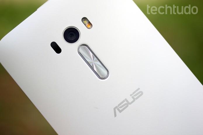 Câmera traseira do Zenfone Selfie tem 13 megapixels (Foto: Luana Marfim/TechTudo)