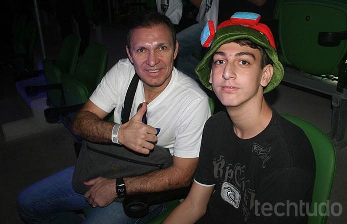 Veloso, ex-goleiro do Palmeiras, levou seu filho para assistir a final do CBLoL (Foto: Felipe Vinha / TechTudo)