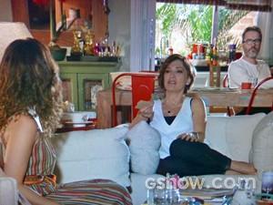 Juliana discute com Chica e Fernando sobre a filha de Gorete (Foto: Em Família/ TV Globo)