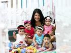 Pernambucana comemora primeiro Dia das Mães com filhos quíntuplos