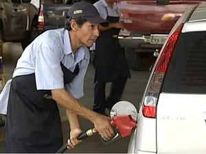 Em Itapetininga, preço da gasolina varia de R$ 2,75 a R$ 2,99 (Foto: Reprodução/ TV TEM)