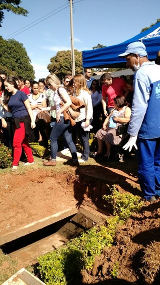 Enterro Allana (Foto: Ruber Couto/ EGO)