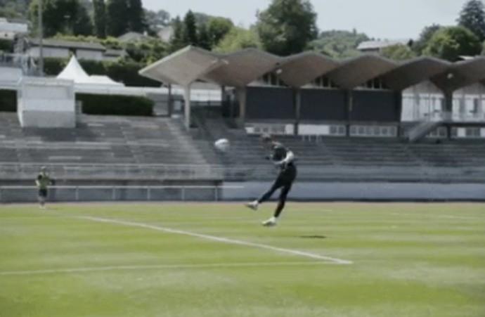 """BLOG: Neuer treina no """"ataque"""" para ajudar a Alemanha contra a Itália na Eurocopa"""