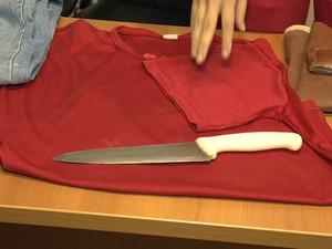 O suspeito ameaçou a vitima com uma faca (Foto: Reprodução / TV Gazeta)