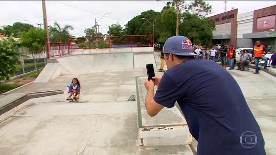"""Mineirinho passa um dia com a """"Fadinha"""" do skate e descobre o que mudou na vida da pequena"""